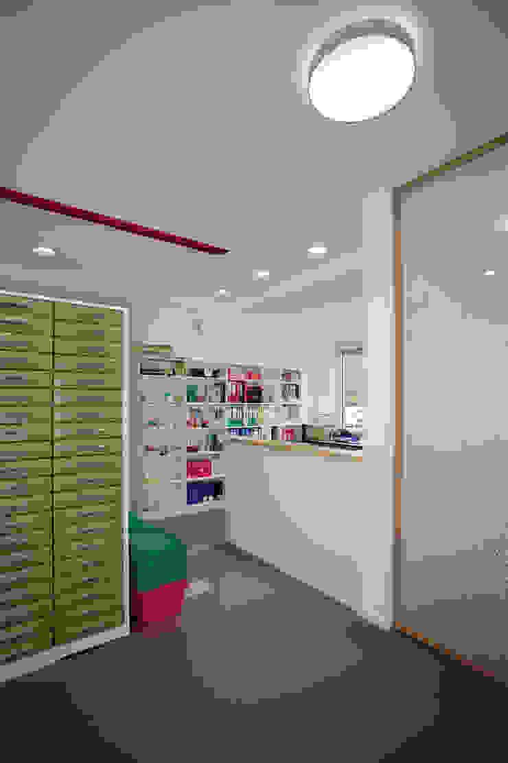 Backoffice Moderne Ladenflächen von Architekturbüro Buhrdorf Modern