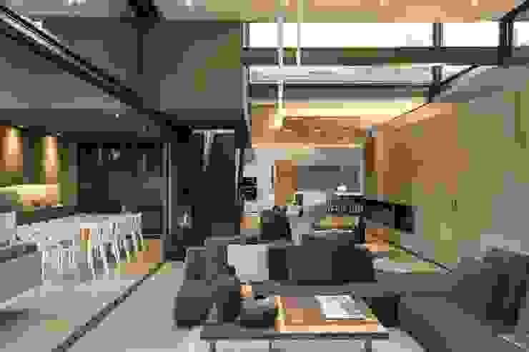 House Sar Дома в стиле модерн от Nico Van Der Meulen Architects Модерн