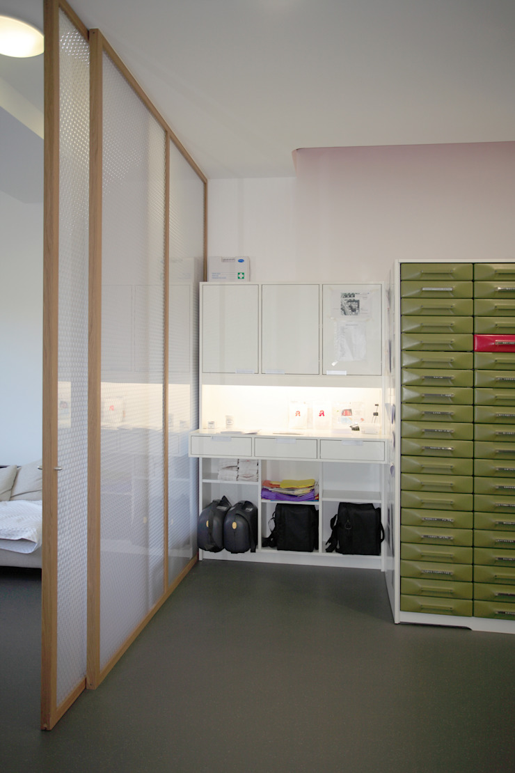 Versandplatz Moderne Ladenflächen von Architekturbüro Buhrdorf Modern