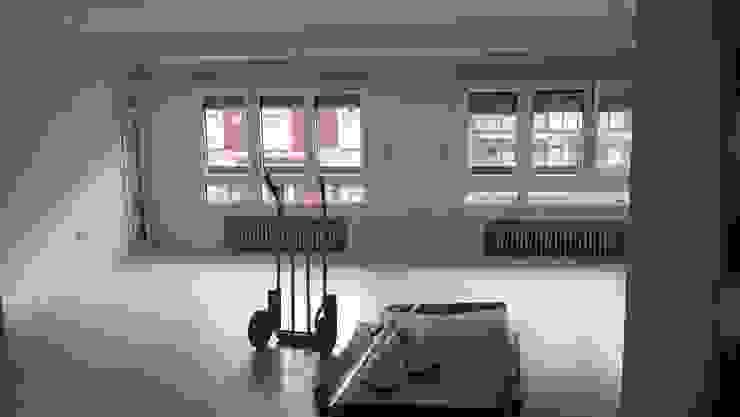 Salón en proceso de reforma de 2 Mar Construcciones HNOS. VINCELLE LLAMEDO S.L.