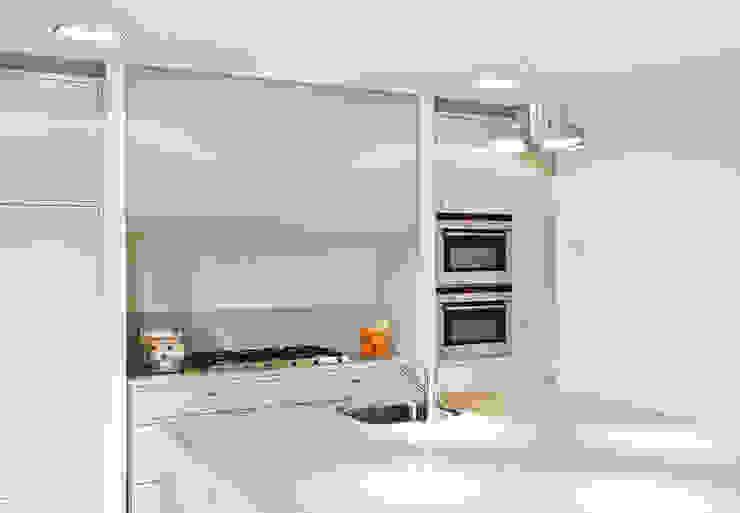 Woonhuis Berkel Enschot keuken Moderne keukens van Interieurvormgeving Inez Burvenich Modern