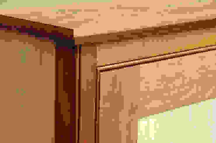 Detail of mouldings: modern  by Martin Greshoff Furniture, Modern