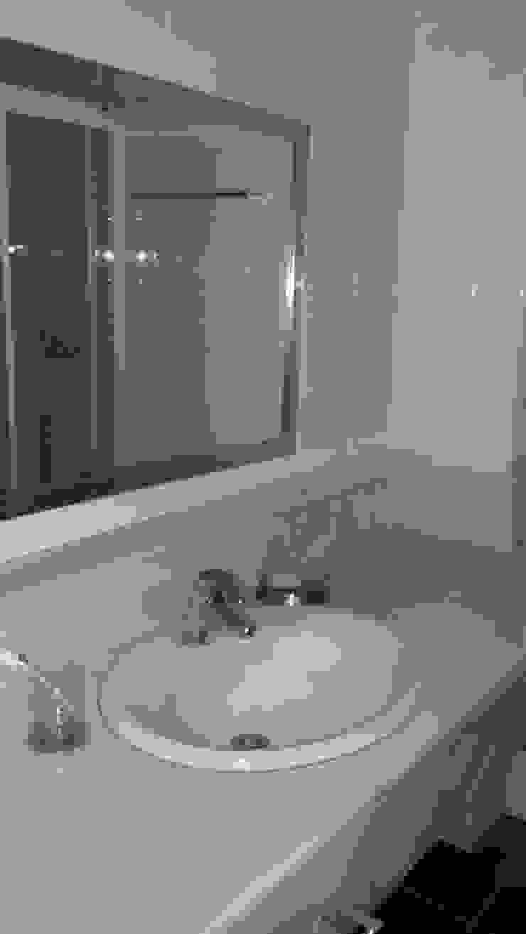 Baño de 2 Mar Construcciones HNOS. VINCELLE LLAMEDO S.L.