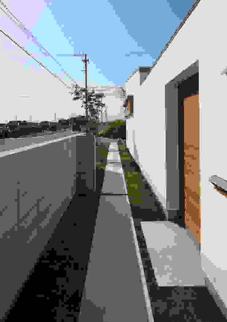 アプローチ 北欧風 家 の 松原建築計画 一級建築士事務所 / Matsubara Architect Design Office 北欧