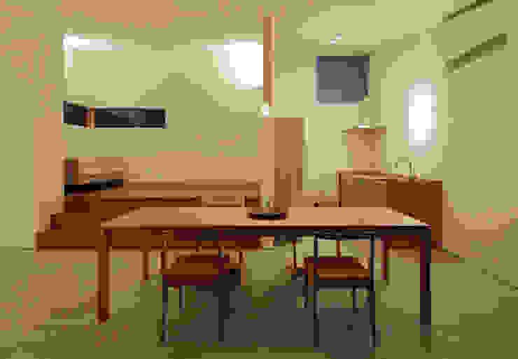 ダイニング・キッチン 松原建築計画 一級建築士事務所 / Matsubara Architect Design Office 北欧デザインの リビング 木 白色