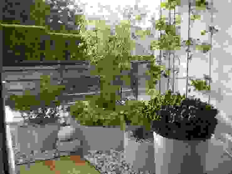 Terrassengestaltung München Klassischer Garten von Blumen & Gärten Klassisch