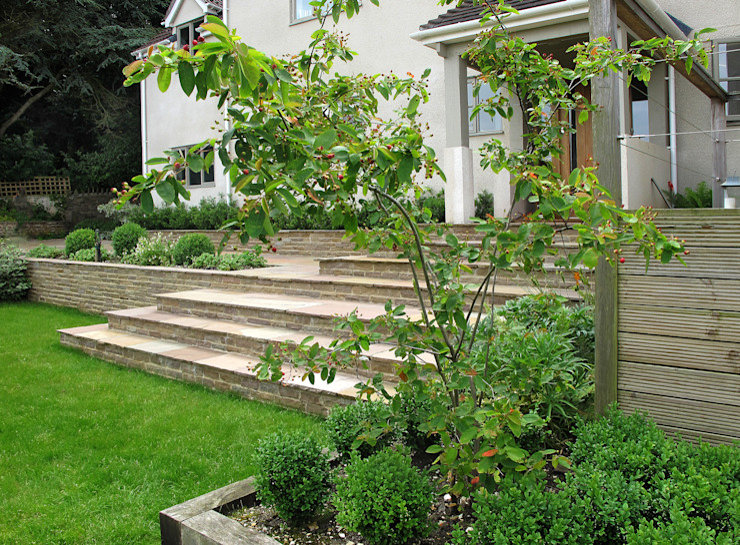Steps Modern Garden by Katherine Roper Landscape & Garden Design Modern
