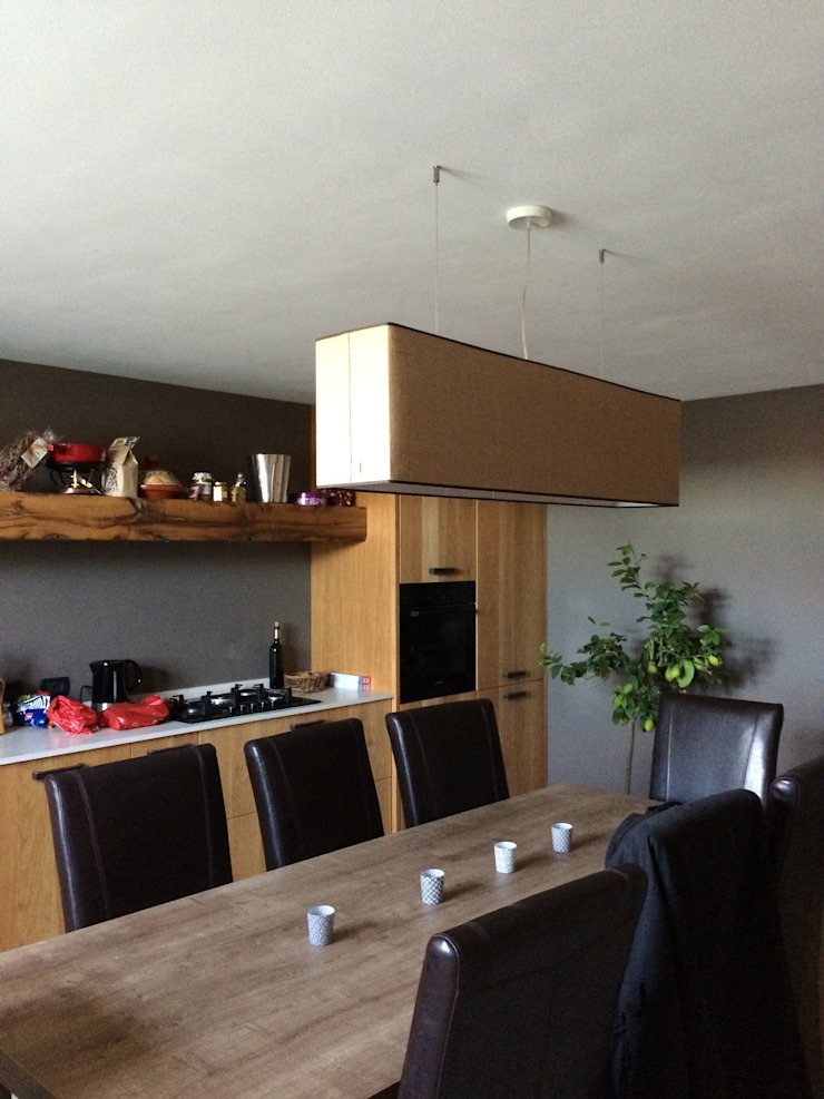 Taverna di rovere con sapore di vino Cucina in stile scandinavo di Falegnameria Ferrari Scandinavo
