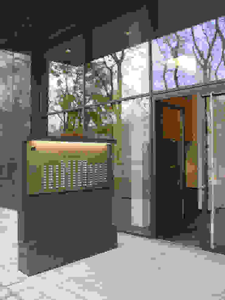 Eingangsbereich Moderne Häuser von Maske + Suhren Gesellschaft von Architekten mbh Modern