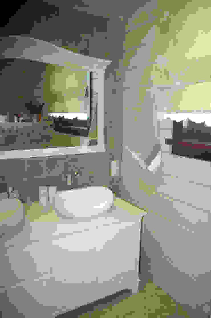 "<q class=""-first"">Кукольный домик:)</q> Ванная комната в стиле кантри от TOPOS Кантри"