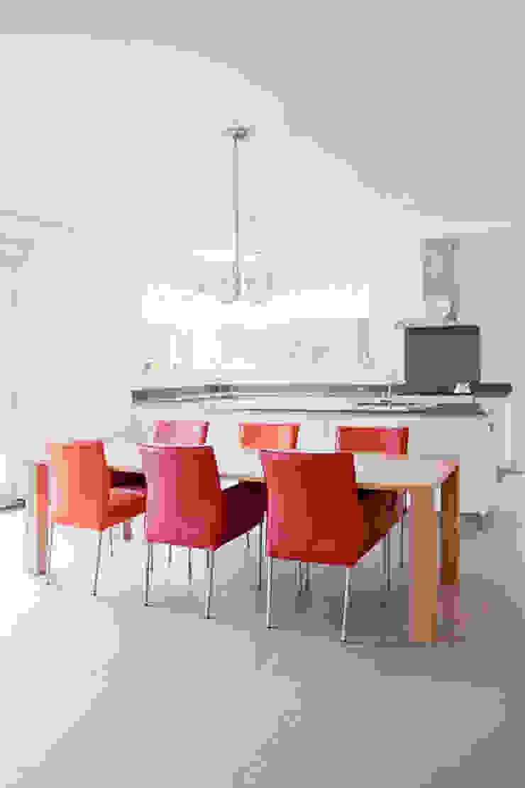 Modern Kitchen by Archstudio Architecten | Villa's en interieur Modern