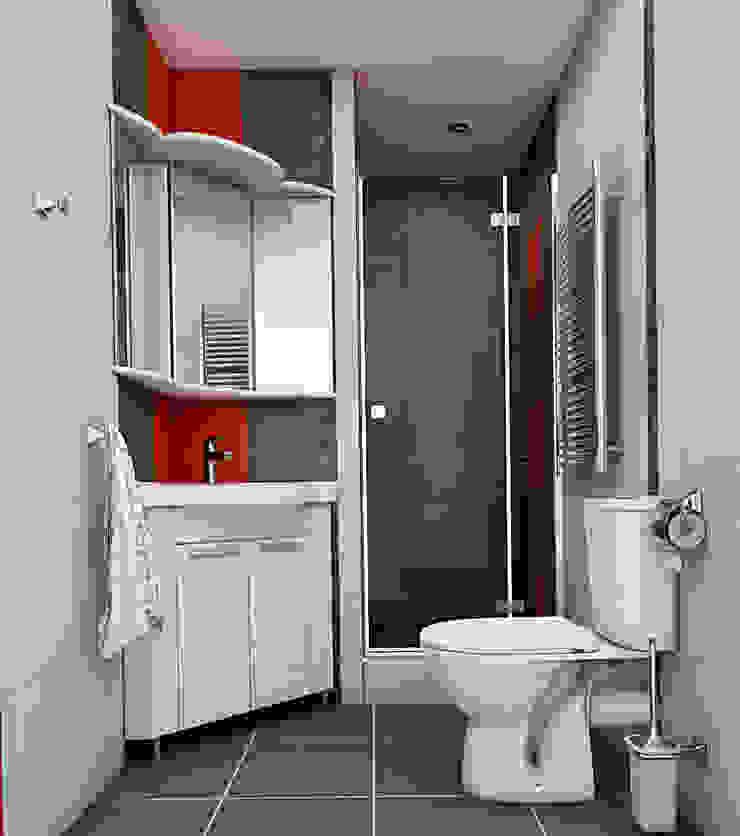 Небольшая двухкомнатная квартира Ванная комната в эклектичном стиле от Дизайн В Стиле Эклектичный