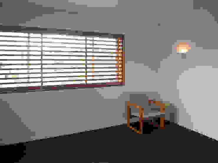 馬木の家 House in Umaki,Matsuyama モダンデザインの リビング の wada architectural design office 和田設計 モダン