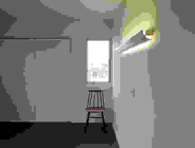 馬木の家 House in Umaki,Matsuyama モダンスタイルの寝室 の wada architectural design office 和田設計 モダン