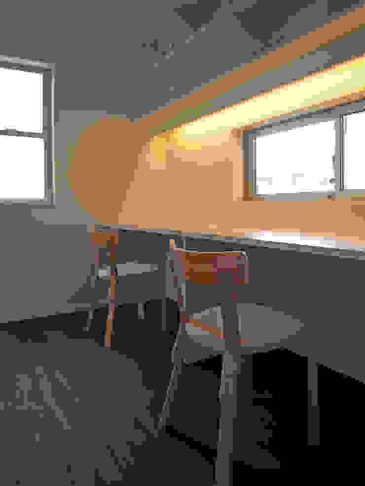 馬木の家 House in Umaki,Matsuyama モダンデザインの 書斎 の wada architectural design office 和田設計 モダン