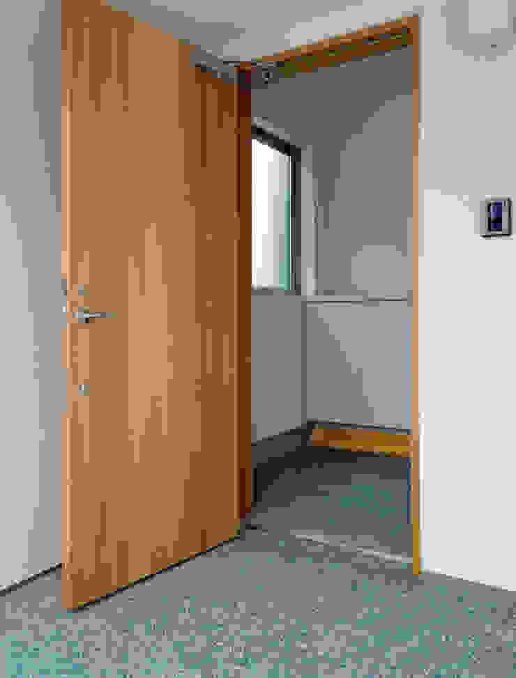 馬木の家 House in Umaki,Matsuyama モダンな 窓&ドア の wada architectural design office 和田設計 モダン