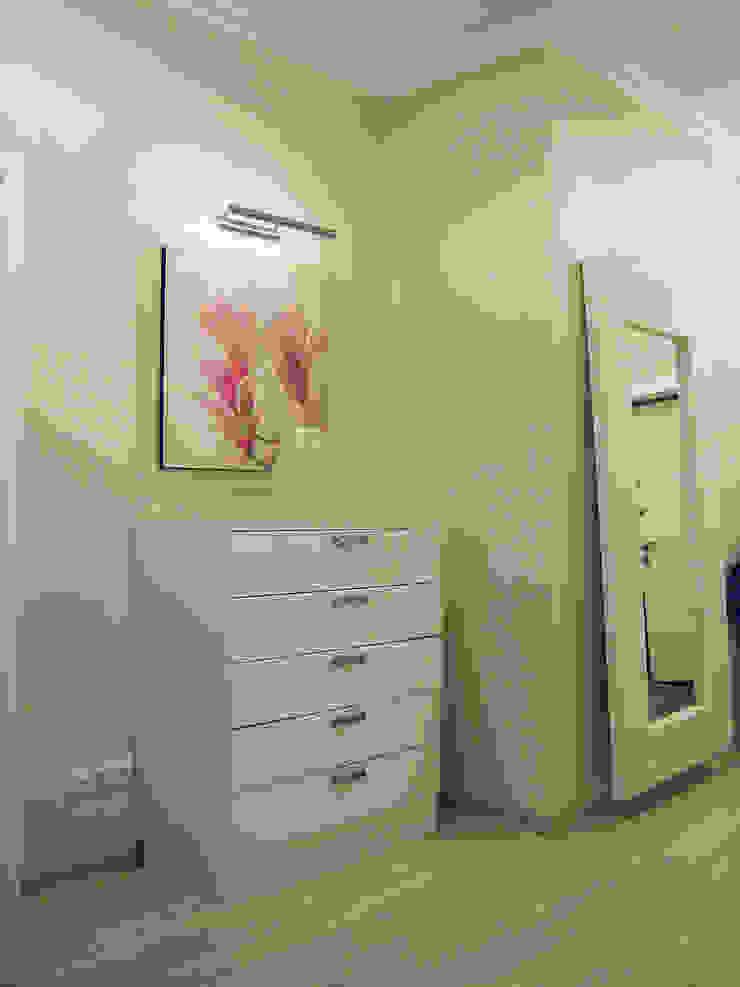 Светлая четырёхкомнатная квартира Коридор, прихожая и лестница в эклектичном стиле от Дизайн В Стиле Эклектичный