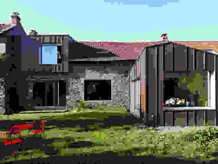 Moderne Häuser von tact architectes Modern