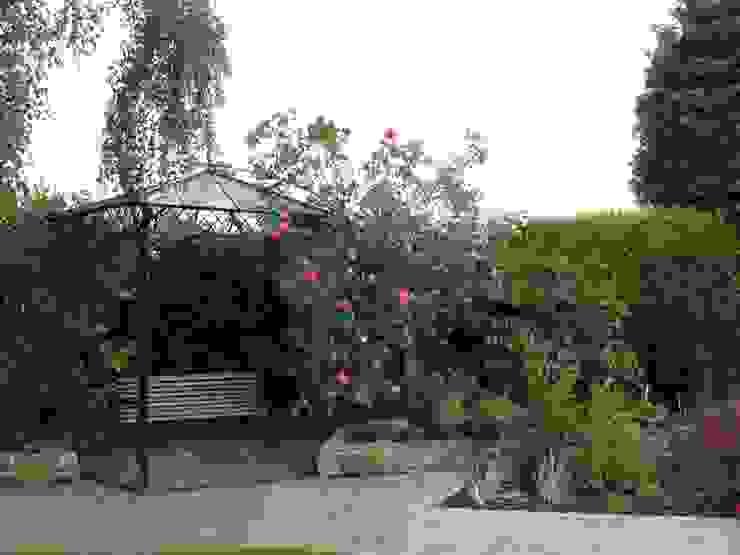 Garden by Cherry Mills Garden Design, Classic