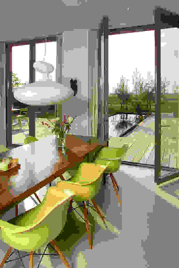paul seuntjens architectuur en interieur Sala da pranzo moderna