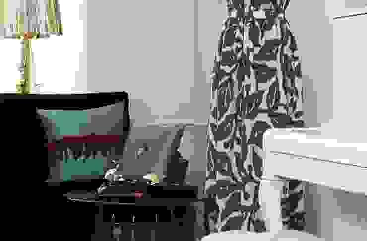 Бутик в исторических интерьерах Торговые центры в эклектичном стиле от Atelier Interior Эклектичный