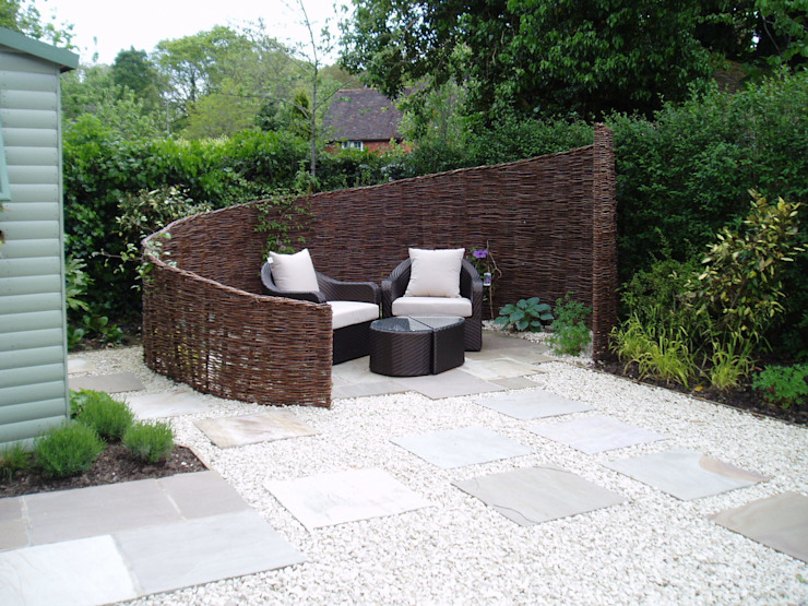 Low Maintenance Garden Eclectic style gardens by Cherry Mills Garden Design Eclectic