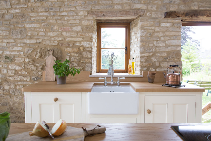 A Traditional Country Kitchen Cozinhas campestres por homify Campestre
