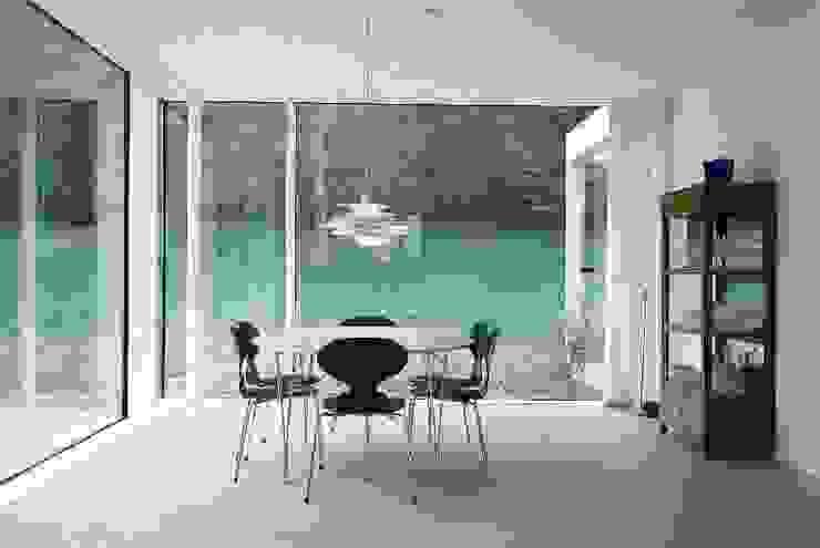 스칸디나비아 다이닝 룸 by Bohn Architekten GbR 북유럽