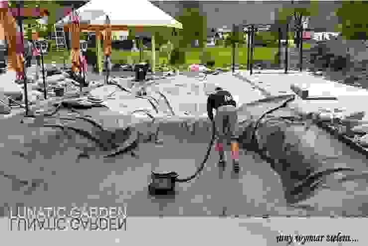 modern  by Lunatic Garden, Modern