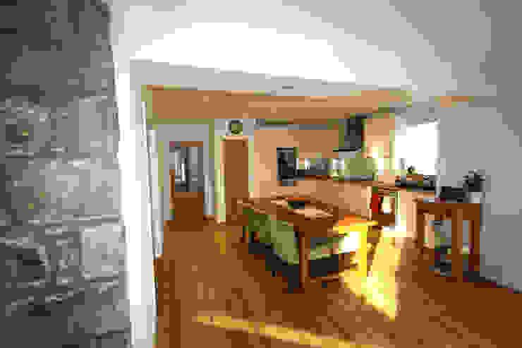 Wellfield Modern kitchen by Fiddes Architects Modern