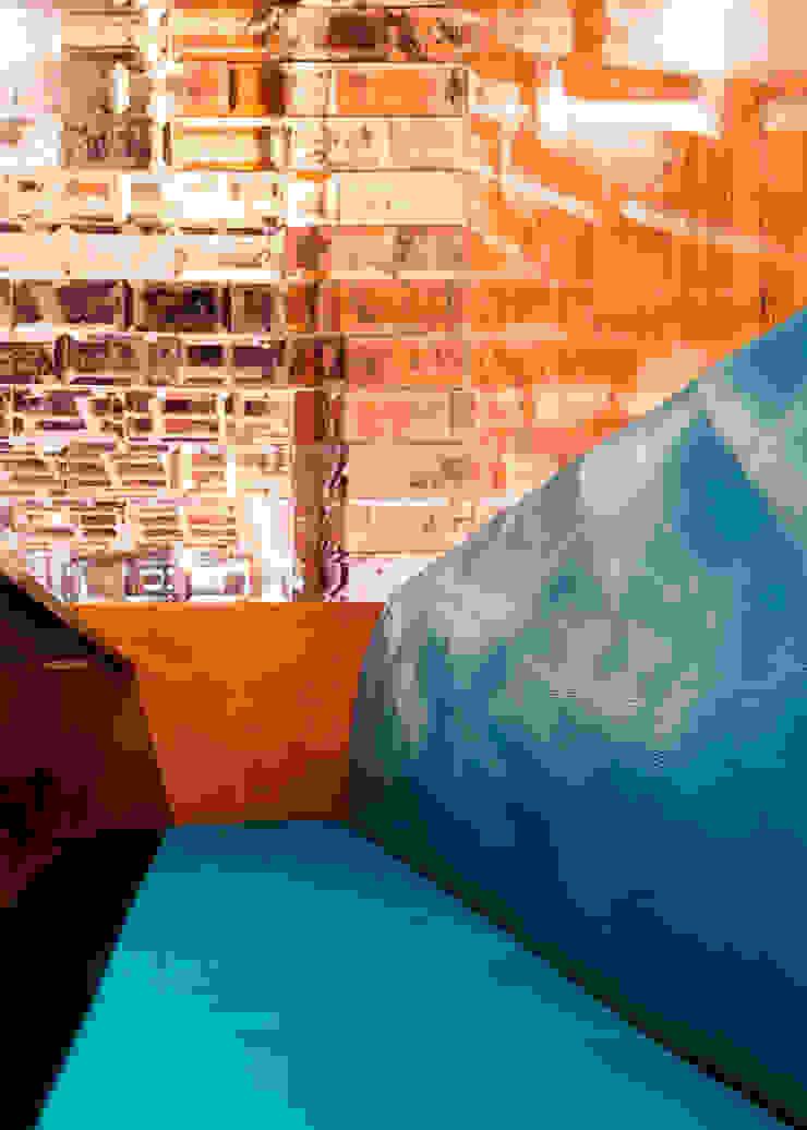 Detalhe estofado Espaços gastronômicos modernos por MM18 Arquitetura Moderno