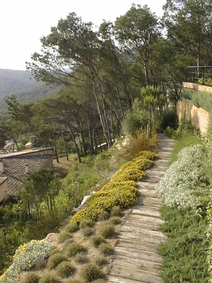 Jardín del Faro (Costa Brava) Jardines de estilo minimalista de AB Paisatgistes SL Minimalista