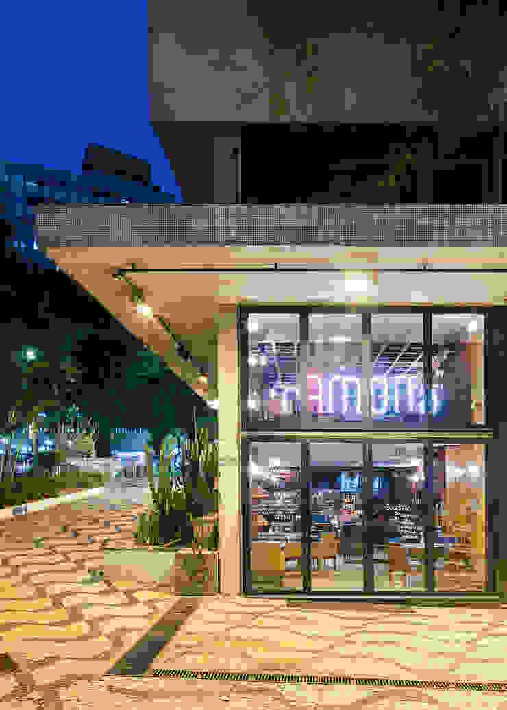 Esquina Av São Luis x Av Consolação Espaços gastronômicos modernos por MM18 Arquitetura Moderno