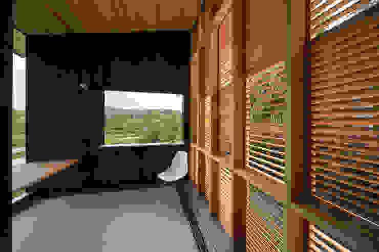Tei reading deck Balcones y terrazas de estilo asiático de キリコ設計事務所 Asiático