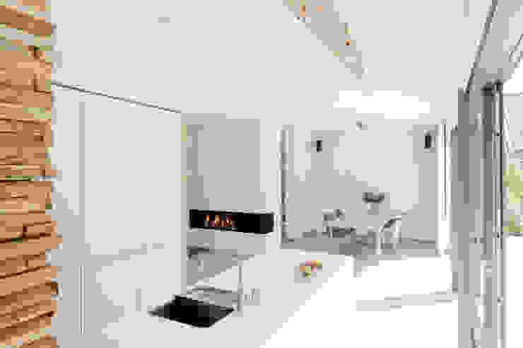 Moderne Küchen von Wonderwall Studios Modern