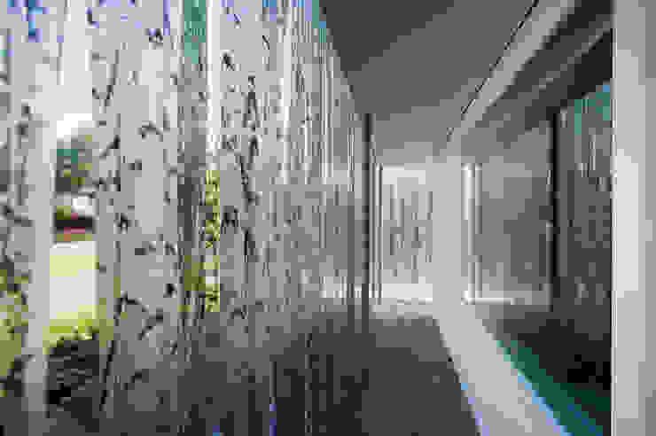 Moderner Garten von Wonderwall Studios Modern