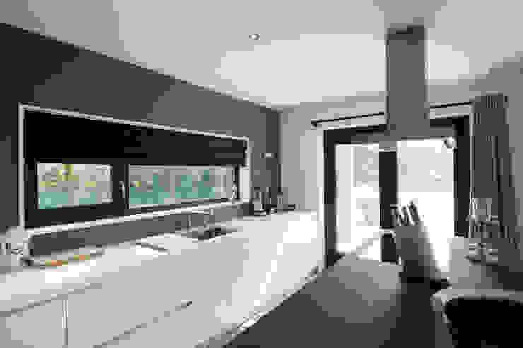 'Jagger' • Residential • Netherlands Moderne keukens van Wonderwall Studios Modern