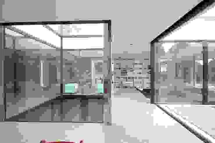 Wohnhaus in Selb Moderne Esszimmer von Osterwold°Schmidt EXP!ANDER Architekten Modern