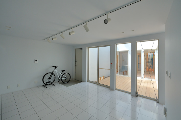 1+n モダンデザインの 書斎 の 加藤一成建築設計事務所 モダン