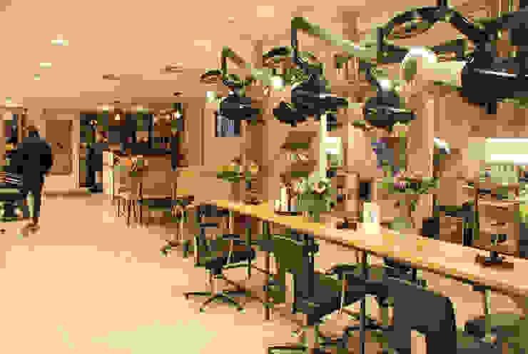 Hair Dresser/ Kapperszaak Industriële winkelruimten van Blok Meubel Industrieel