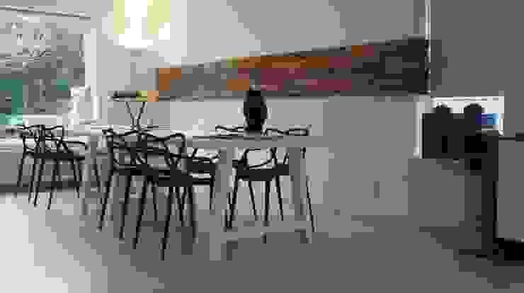 'Wheels' • Residential • Netherlands Moderne woonkamers van Wonderwall Studios Modern