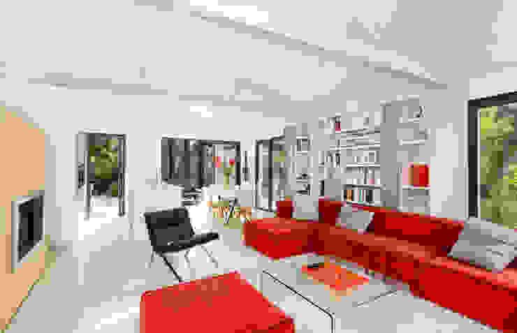 Modern Living Room by Hadrien Brunner Photographe d'architecture Modern
