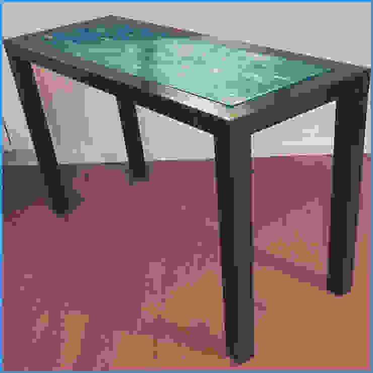 Console métallique minimaliste à plateau patiné, création Hewel mobilier par Hewel mobilier Minimaliste