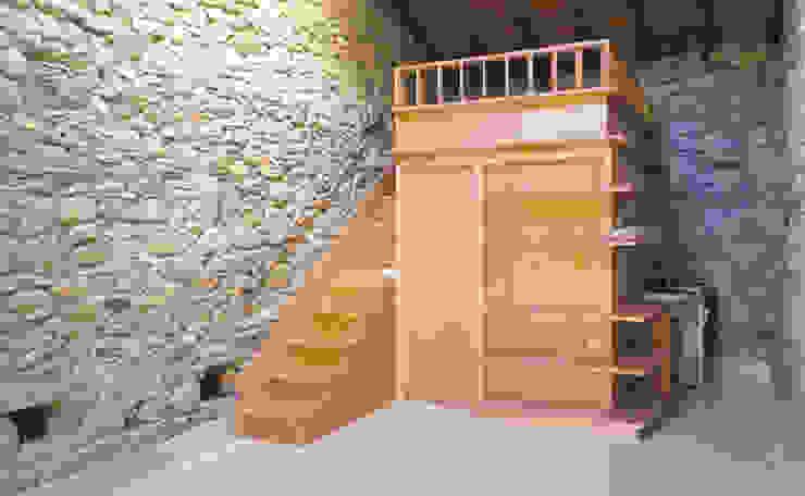Salon moderne par Pini&Sträuli Architects Moderne