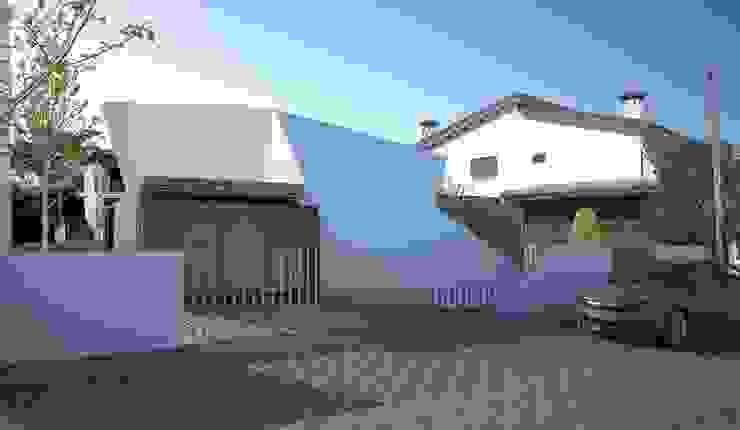 by Office of Feeling Architecture, Lda Сучасний
