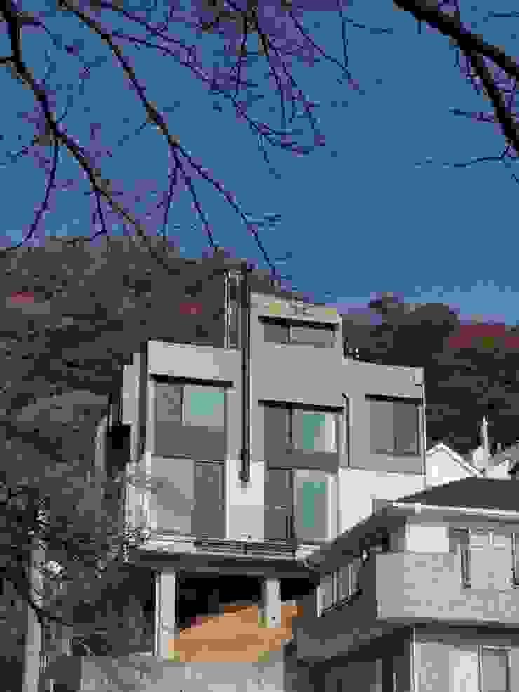 摩耶山麓の家 オリジナルな 家 の 長尾健建築研究所 オリジナル