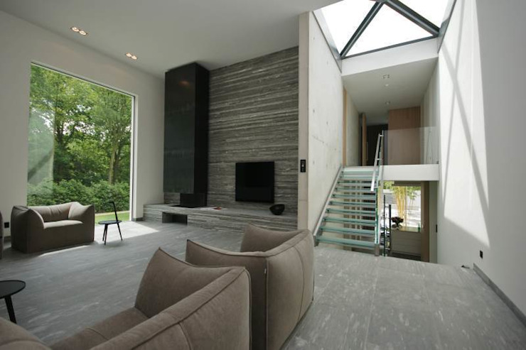 客廳 by KleurInKleur interieur & architectuur, 簡約風