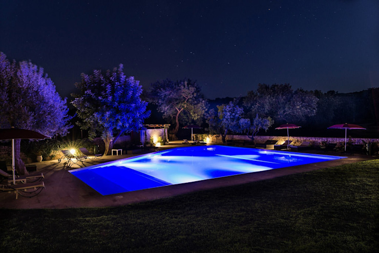 Country style pool by Olympic Italia Costruzioni Piscine SPA - di Gabriele Lodato Country