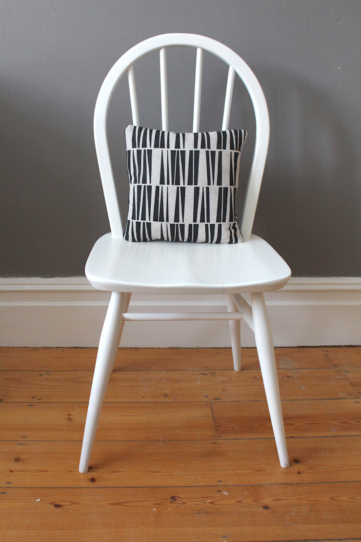 Ercol Windsor white painted chair: scandinavian  by Owl and the Elephant, Scandinavian