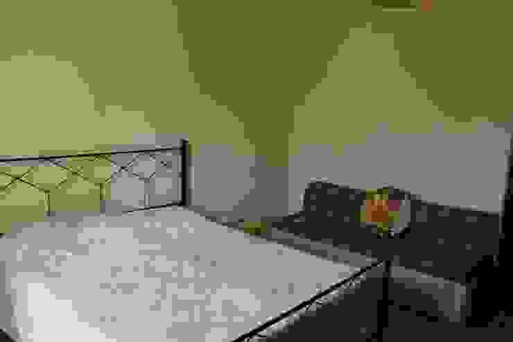 Camera da letto matrimoniale prima dell'intervento. di Gabriella Pontis